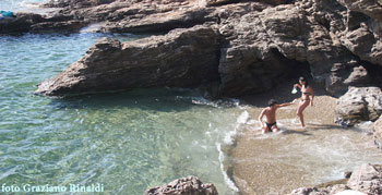 Picture of: The warm colors of Cala Peducelli on Elba Island