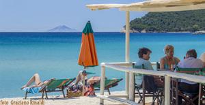 Picture of: Marina di Campo – The Beach