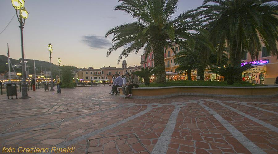 Elba Island, Porto Azzurro, square, Mediterranean sea, sunset, palms
