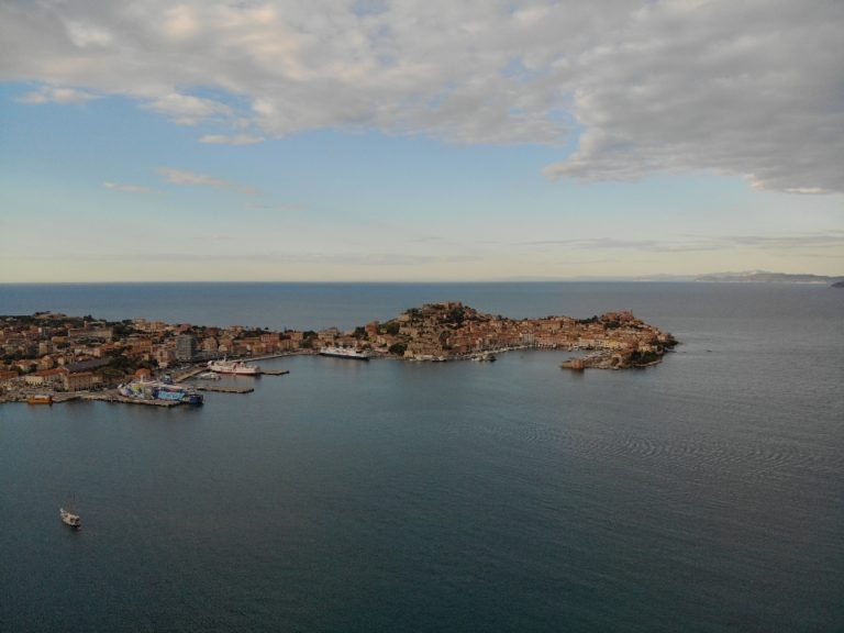 Picture of: The Pearls of the Tuscan Archipelago